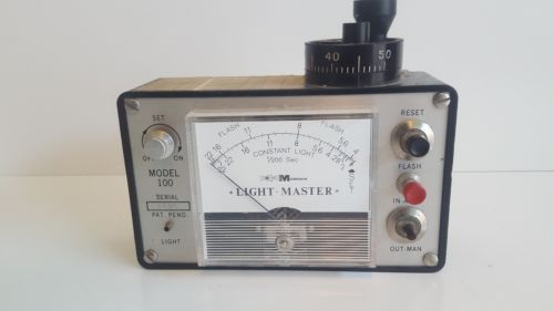 MORNICK Light Master Model 100 Vintage collectors item Light meter