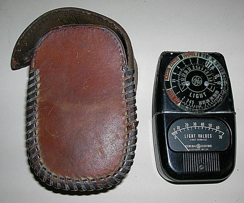 Vintage General Electric Exposure Light Meter 8DW58Y4 + Leather Case