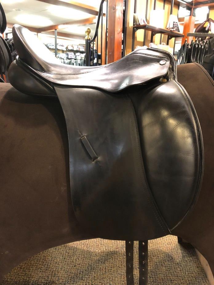 Albion Legend Dressage Saddle 18 inch