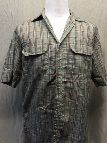 Field & Stream Short Sleeve Vented Men's Fish Shirt Size MED Green Plaid - EUC