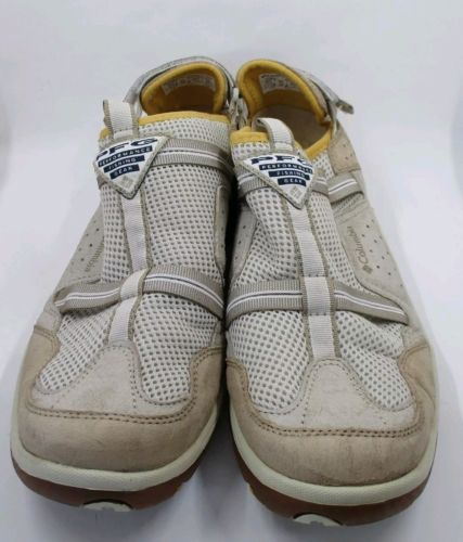 COLUMBIA CAYMAN II Men's Size 10.5 PFG Fishing Mesh Water Shoes Beige