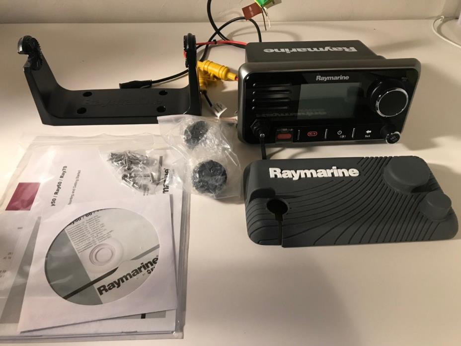 Raymarine Ray60 Vhf Radio E70245
