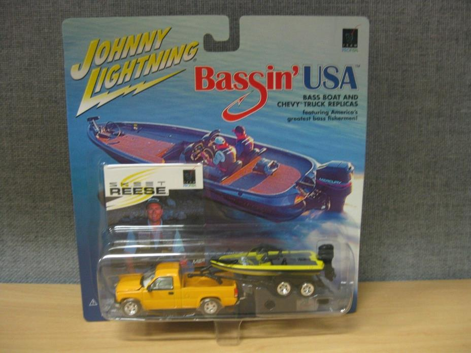 SKEET REESE BASS BOAT & CHEVY TRUCK JOHNNY LIGHTNING BASSIN' USA 1:64 DIE-CAST