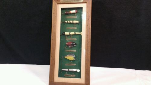 FISHING LURES OF 20th CENTURY / SHADOW BOX.