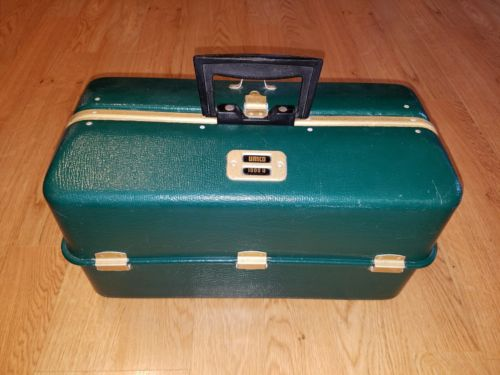 Vintage UMCO 1000U Fishing Tackle Box w/ 7 Trays