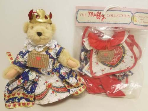 MUFFY - THE QUEEN OF HEARTS BEAR and HOPPY'S BUNNY KNAVE OUTFIT