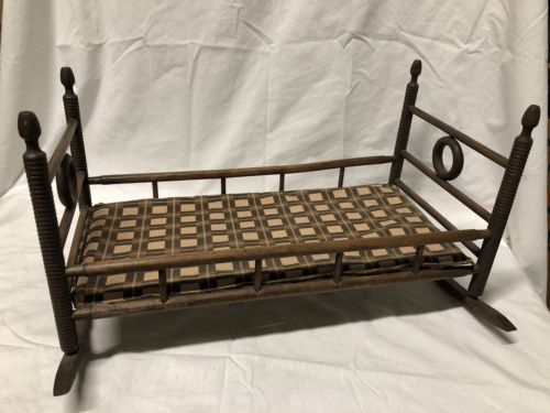 VINTAGE PRIMITIVE WOOD WOODEN ROCKING BABY DOLL CRADLE FURNITURE BED
