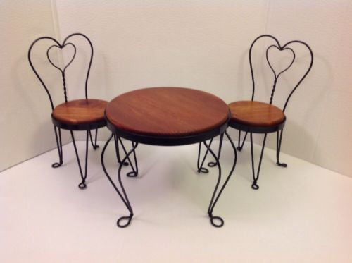 RARE VINTAGE MINIATURE ICE CREAM PARLOR BISTRO TABLE AND 2 CHAIRS