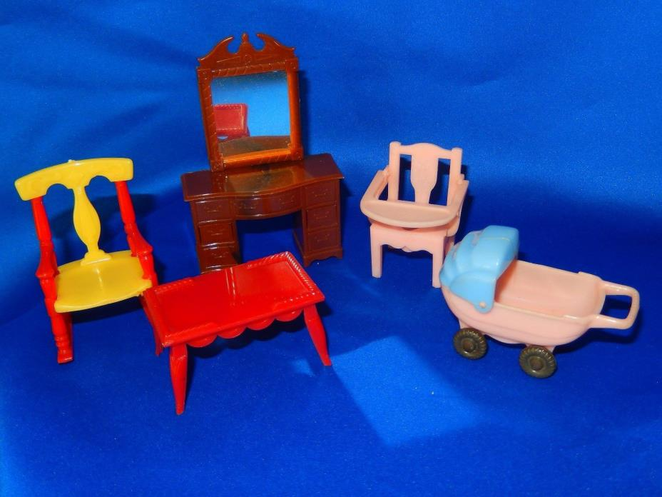 1950s Renwal Dollhouse Furniture - Five Pieces