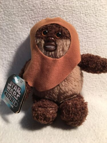 Kenner 1997 Star Wars Buddies Wicket The Ewok Beanbag Plus Doll Toy