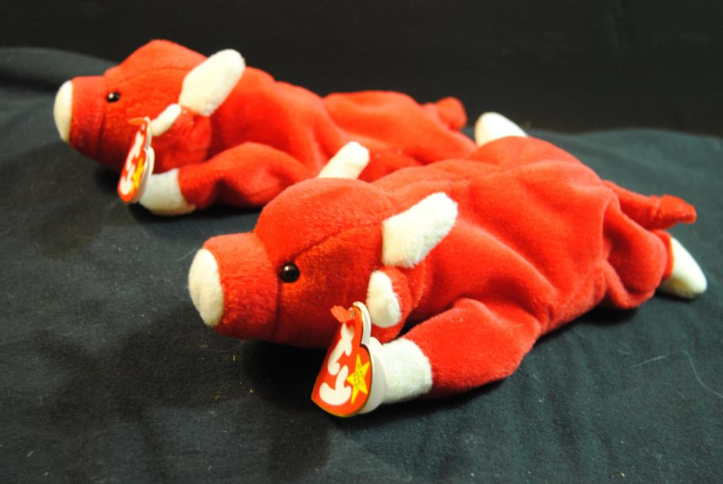 Beanie Babies 1995 Snort the Bull Lot of 2
