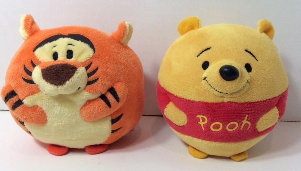 Tigger Winnie The PoohTy Beanie Ballz Lot of 2 Disney Never Played Wtih Display