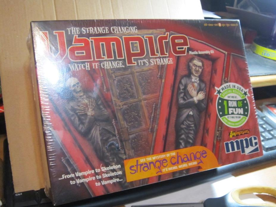 MPC  The Strange Changing Vampire Model Kit  #756-12