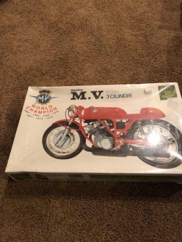 Moto M.V. 500cc 3 CLINDRI Scale 1:9 Protar micro modelli Provini Mod 11119 World