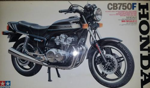 Tamiya 16020: Honda CB750F1/6th Scale