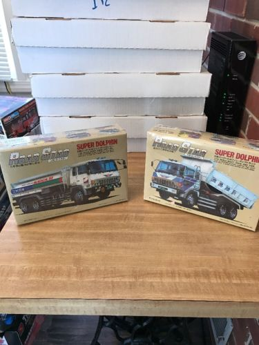 ARII Road Star Hino Super Dolphin 1:48 scale shaft drive 4WD type - Lot Of 2