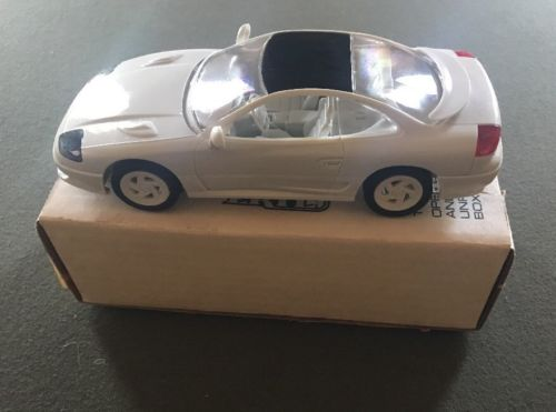 AMT / ERTL 1992 DODGE STEALTH R/T TURBO (PEARL WHITE) J&E HOBBY