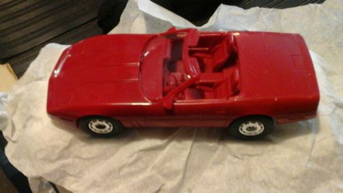 AMT 1987 CHEVY CORVETTE CONV. DEALER PROMO MODEL CAR  RED W/BOX VERY GOOD