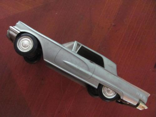 Vtg AMT Corp (BIRMINGHAM MI) 1960 FORD Thunderbird T-Bird Scale Promo Car