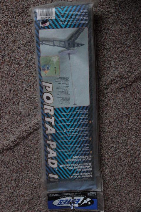 Estes Porta-Pad II Model Rocket Launch Pad Model# 302215 NEW