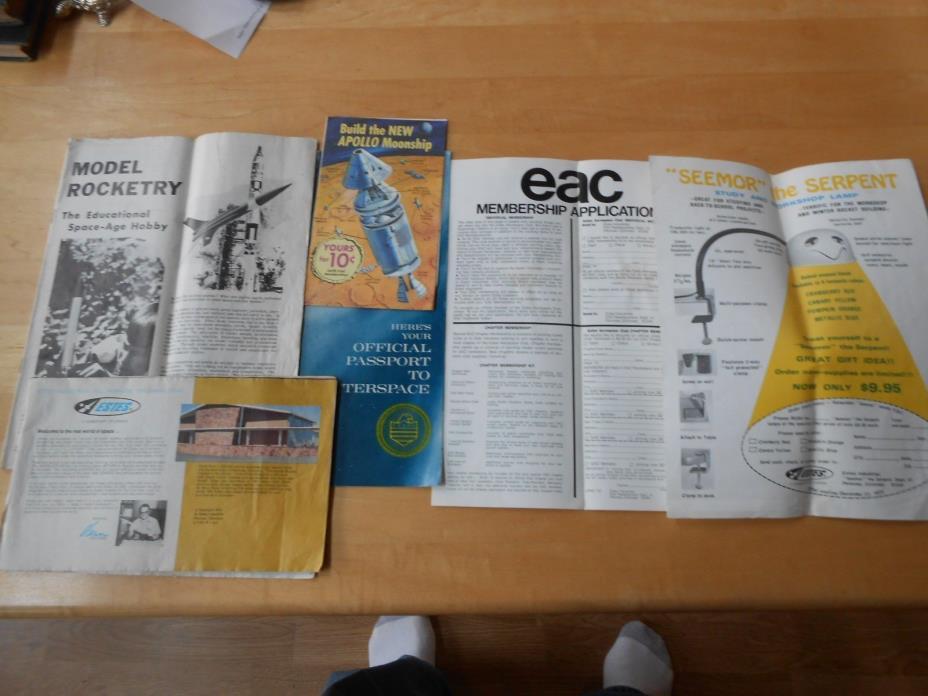 VINTAGE PAPER LOT ESTES ROCKETRY OUTER SPACE CATALOGUES ADVERTISEMENT EPHEMERA