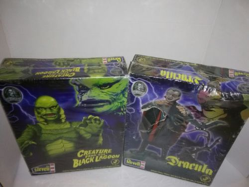 2 Revell Universal monsters Model Kits (skill level 3) Creature&Dracula