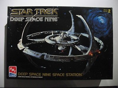 Star Trek DEEP SPACE NINE DS9 Space Station AMT Ertl Model KIT BOX Sealed Bags
