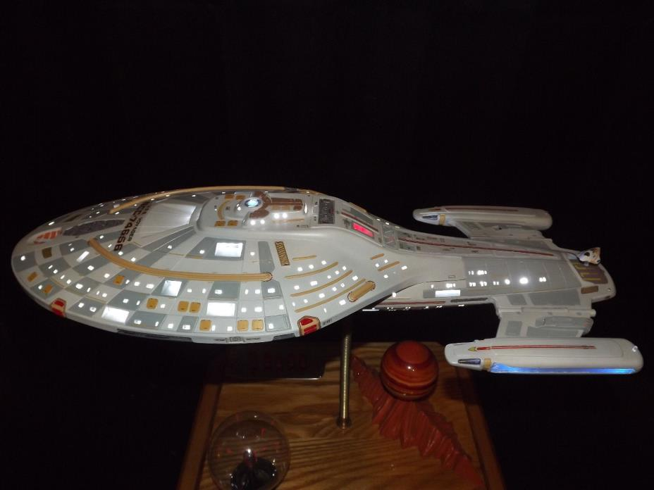 Star Trek Voyager Monogram 20