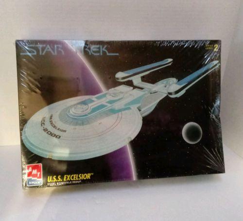 Star Trek USS Starship Excelsior - AMT/ERTL Plastic Model Kit #6630 Sealed