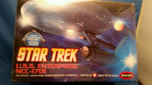 Star Trek USS Enterprise NCC-1701 Snap together model