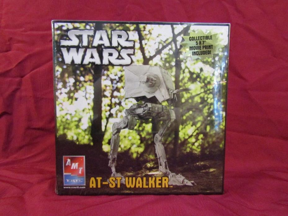 AMT #38302' FACTORY SEALED'.STAR WARS ' AT-ST WALKER'.