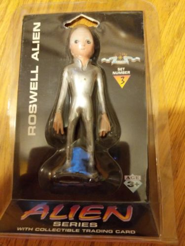 Roswell alien.Shadowbox Collectibles.set # 3, 4