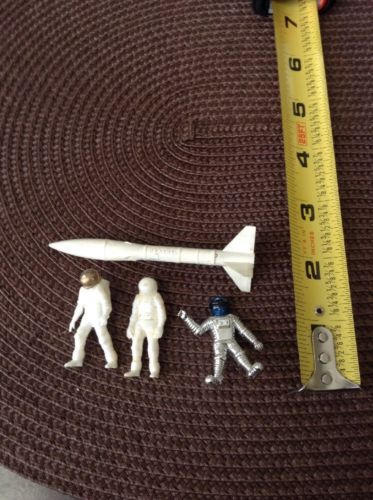 Vintage Plastic Model Parts Small Astronaught Space Men US Army Rocket