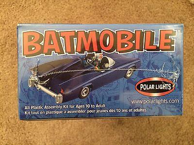 Batman BATMOBILE 1:25 Scale Model Kit 2002 Polar Lights
