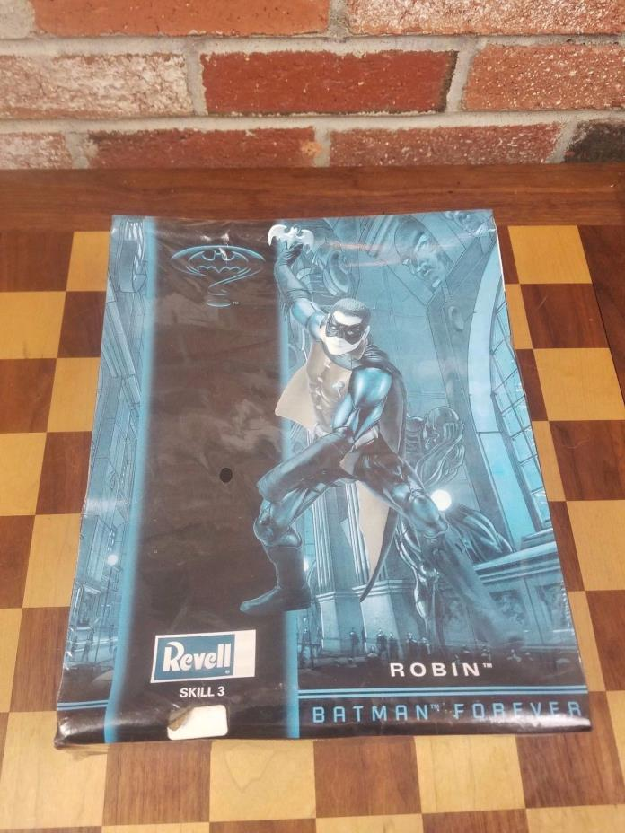 Revell #85-3301 Batman Forever: Robin 1/6 Scale Model Figure Kit