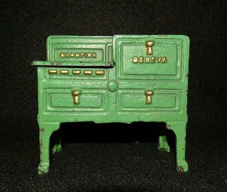 Rare Green 1930s Vintage Miniature Champion Geneva Old Cast Iron Metal Toy Stove