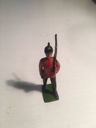 William Britains Toy Soldier Rifelmen Painted Lead