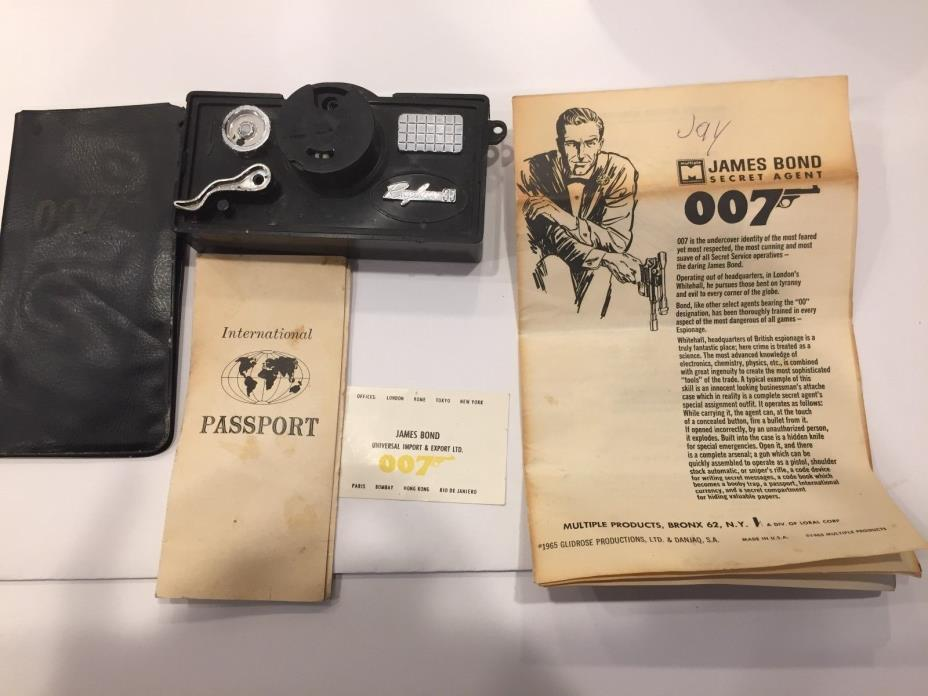 James Bond toy briefcase items 1965