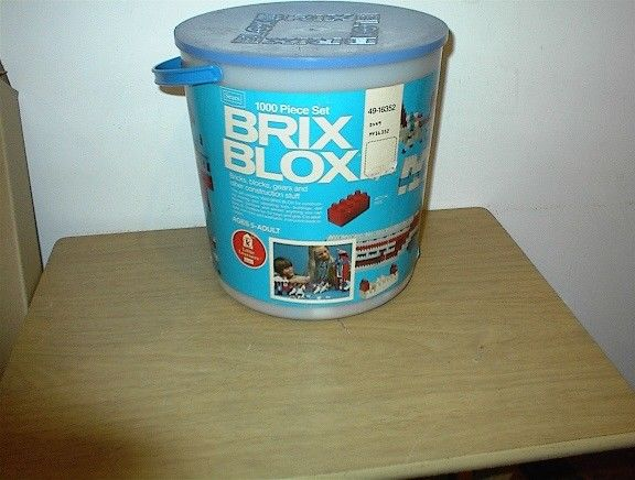 VINTAGE TOY SEARS  1000 PIECE BRIX BLOX TUB COMPLETE WITH INSTRUCTIONS