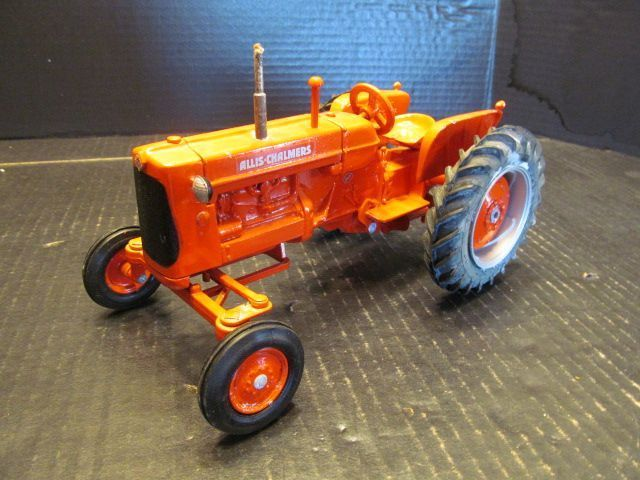 Scale Models Allis Chalmers D17 Tractor Minnesota State Fair Edition 1/16 1992