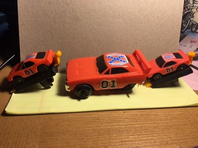 The Dukes of Hazzard finger Racers crash cars 1981 and friction car