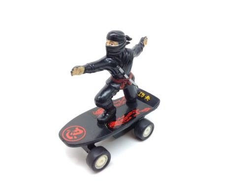 1988 Ninja On A Skatboard Pull Back Toy 5