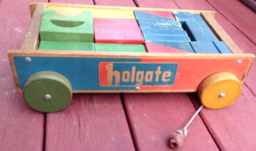 Vintage Antique HOLGATE ANNIVERSARY Children's Toy Wooden Wagon & 42 Blocks
