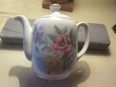 ROEHLER CHILD PORCELAIN TEAPOT/MADE IN GERMANY