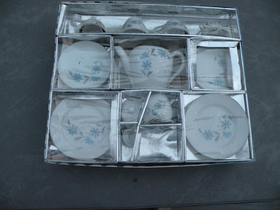 Vintage Child's Blue Tea Set 16 Pieces Made Japan orginal box Excellent!  L2
