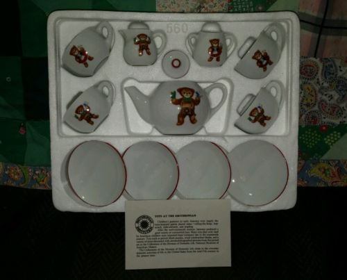 VINTAGE SMITHSONIAN INSTITUTE BEAR TEDDY SMALL CHILDRENS 12PC TEAPOT SET IN BOX