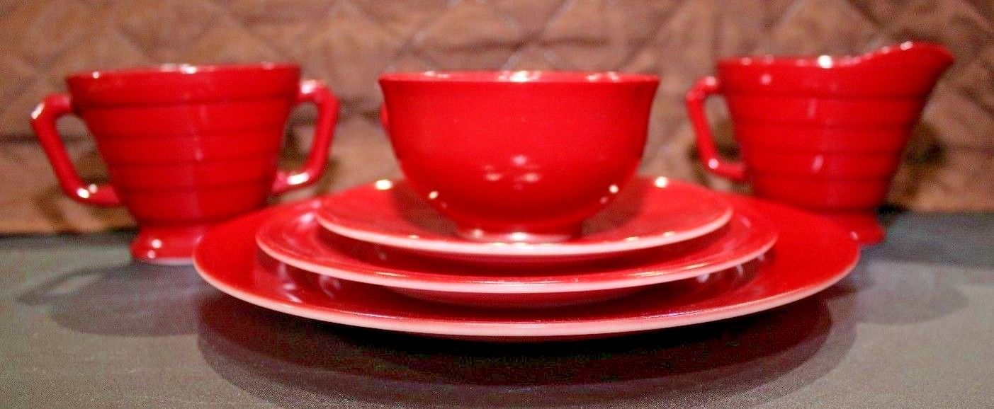 VINTAGE 6 PIECE SET HAZEL ATLAS BURGUNDY/RED CHILDRENS PLAY DISHES TEA SET