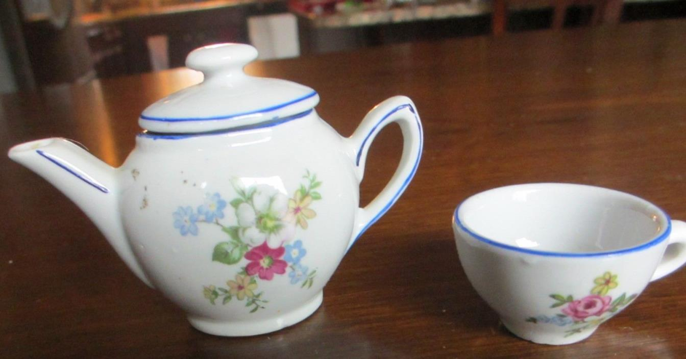 Vintage Ceramic child's Tea Set, 3 pieces, 1960's