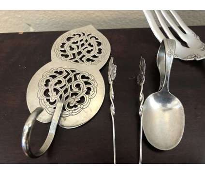 Miscellaneous silver plate pieces