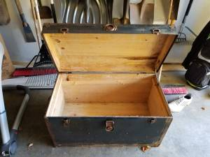 Antique Trunk (Shelby Twp)